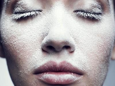 Сухость кожи зимой: причины появления и как от нее избавиться