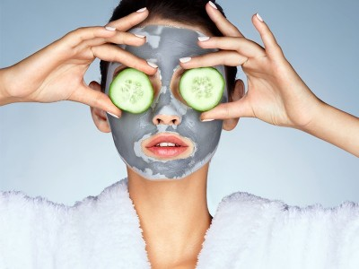 Что такое альгинатные маски для лица? Как их применять?